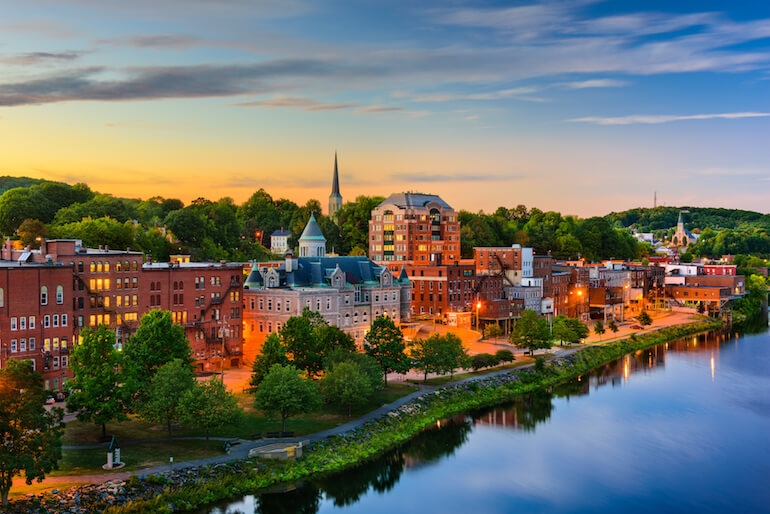 August, Maine - The 3rd Most Affordable College City