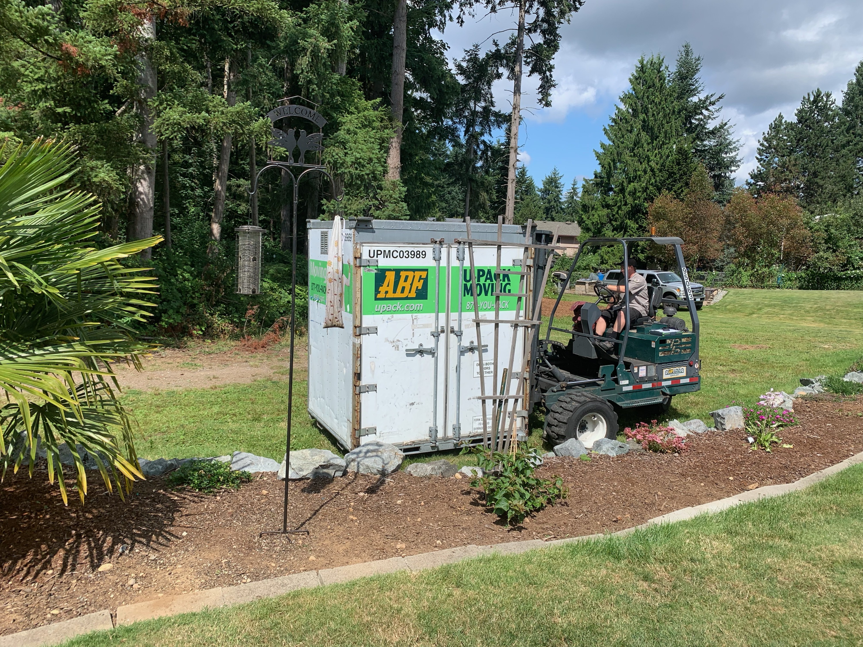 U-Pack cube being delivered.