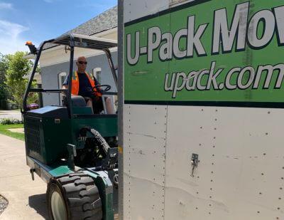 Unloading U-Pack ReloCube